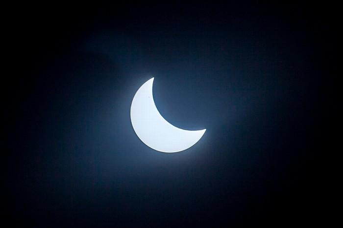 München (Partielle) Sonnenfinsternis 2015 (10:18 Uhr): Sonne und Mond
