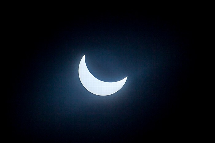 München (Partielle) Sonnenfinsternis 2015 (10:29 Uhr): Sonne und Mond