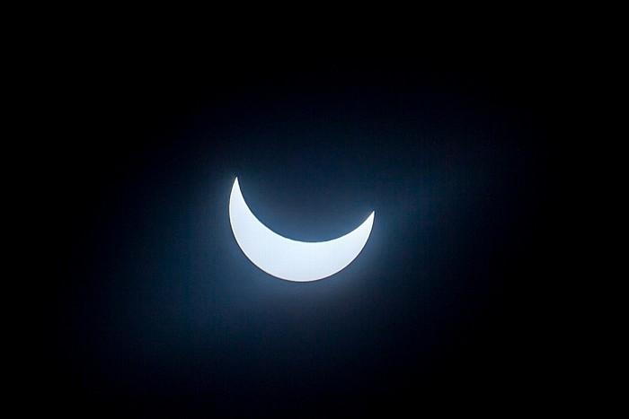 München (Partielle) Sonnenfinsternis 2015 (10:34 Uhr): Sonne und Mond