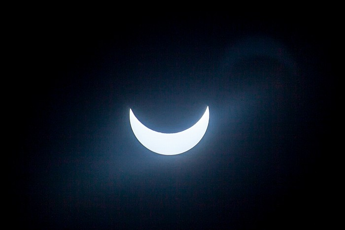 München (Partielle) Sonnenfinsternis 2015 (10:40 Uhr): Sonne und Mond - Kurz nach der maximalen Bedeckung