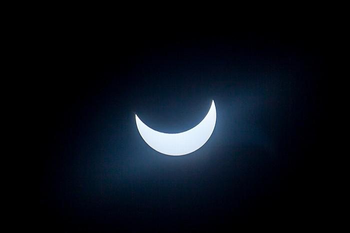 München (Partielle) Sonnenfinsternis 2015 (10:44 Uhr): Sonne und Mond