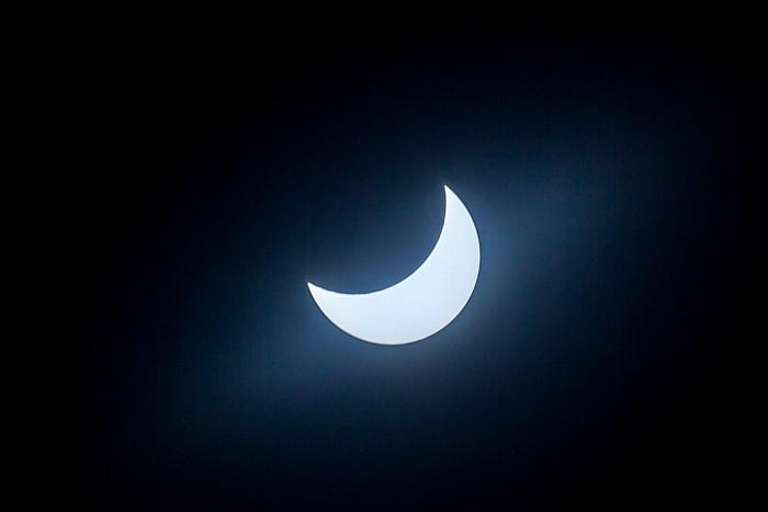 München (Partielle) Sonnenfinsternis 2015 (10:56 Uhr): Sonne und Mond