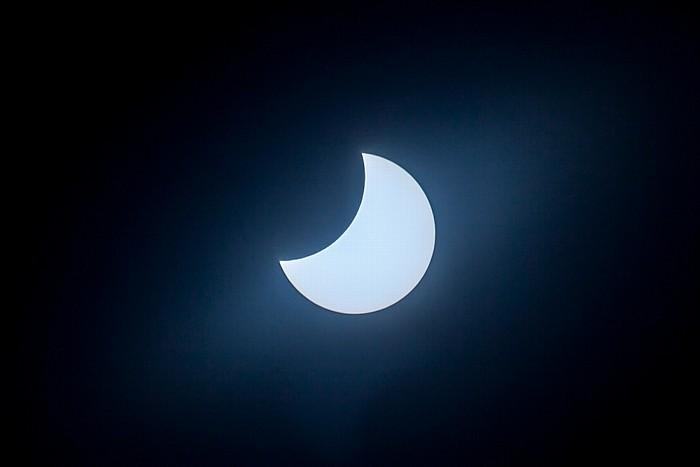 München (Partielle) Sonnenfinsternis 2015 (11:15 Uhr): Sonne und Mond