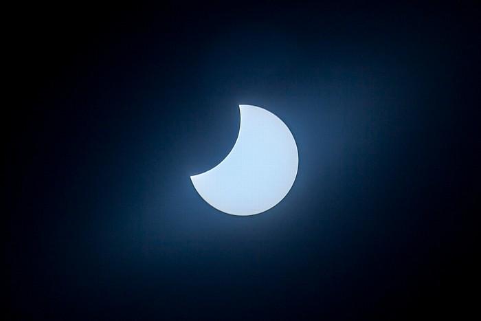 München (Partielle) Sonnenfinsternis 2015 (11:22 Uhr): Sonne und Mond