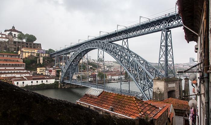 Porto Escada dos Guindais, Vila Nova de Gaia, Ponte de Dom Luis I, Douro Rio Douro