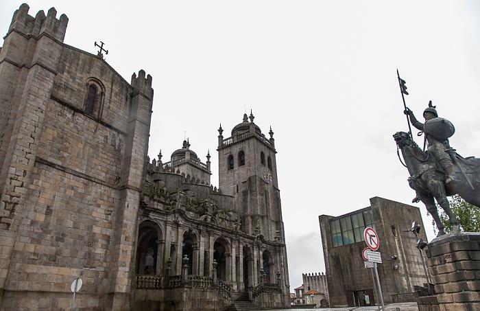 Centro Histórico: Terreiro da Sé - Sé Catedral do Porto und Estátua de Vímara Peres (Reiterstandbild)
