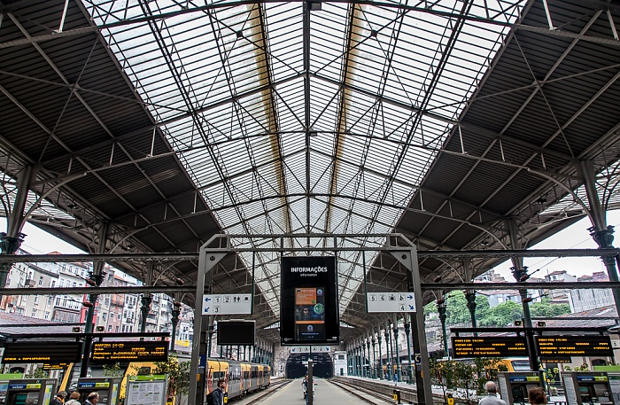 Porto Estação de São Bento: Bahnsteige