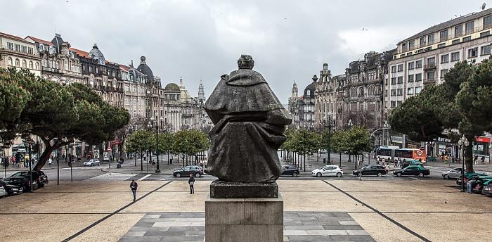 Porto Altstadt: Praça do General Humberto Delgado - Monumento a Almeida Garrett Avenida dos Aliados