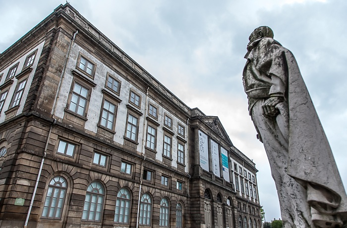 Altstadt: Reitoria da Universidade do Porto, Monumento a Ramalho Ortigão Porto 2015