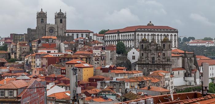 Porto Blick vom Miradouro da Rua São Bento da Vitória: Centro Histórico Bischofspalast Igreja e Convento dos Grilos Sé Catedral do Porto
