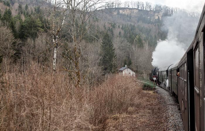 Schwarzwald Sauschwänzlebahn (Wutachtalbahn): Vor der Wutachbrücke Grimmelshofen