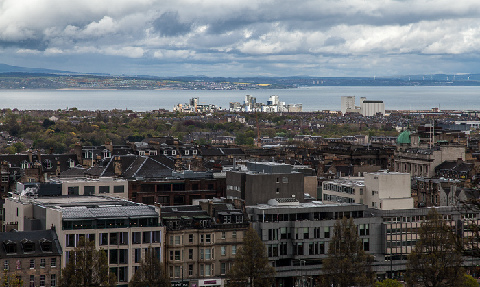 Edinburgh Blick von der Castle Esplanade (Old Town): New Town Firth of Forth