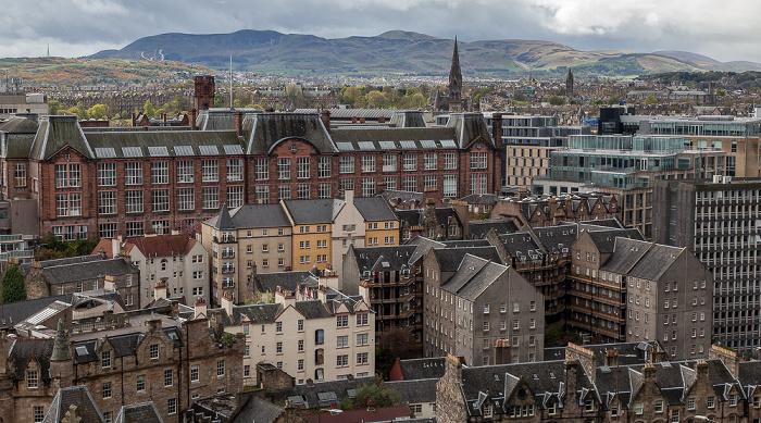 Blick von der Castle Esplanade (Old Town): Edinburgh College of Art Edinburgh