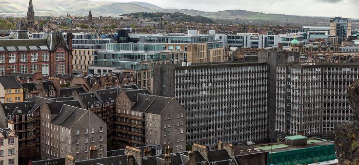 Blick von der Castle Esplanade (Old Town): Argyle House (rechts unten) Edinburgh