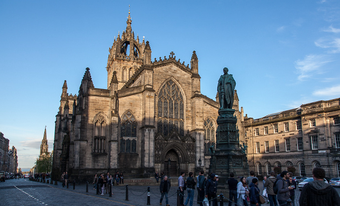 Old Town: High Street (Royal Mile) / Parliament Square - St Giles' Cathedral Edinburgh