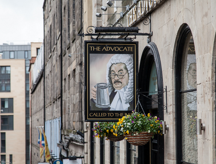 Edinburgh Old Town: Hunter Square - The Advocate