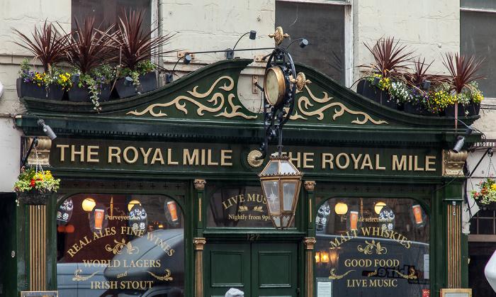 Edinburgh Old Town: High Street (Royal Mile) - The Royal Mile
