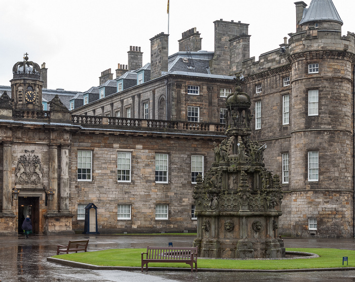 Edinburgh Old Town: Palace of Holyroodhouse