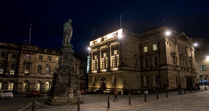 Edinburgh Old Town: High Street (Royal Mile) / Parliament Square - Walter Francis Montagu Douglas Scott Statue Parliament House