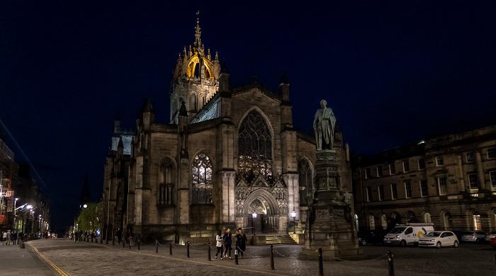 Old Town: High Street (Royal Mile) Edinburgh