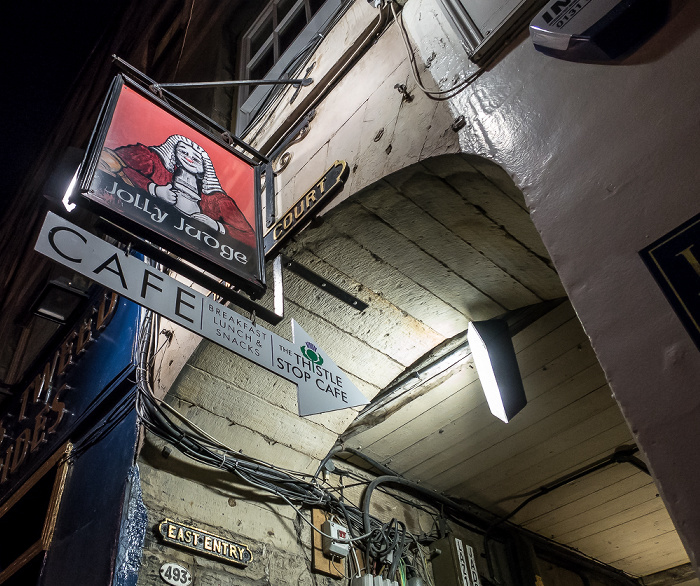 Edinburgh Old Town: Lawnmarket (Royal Mile) - Jolly Judge