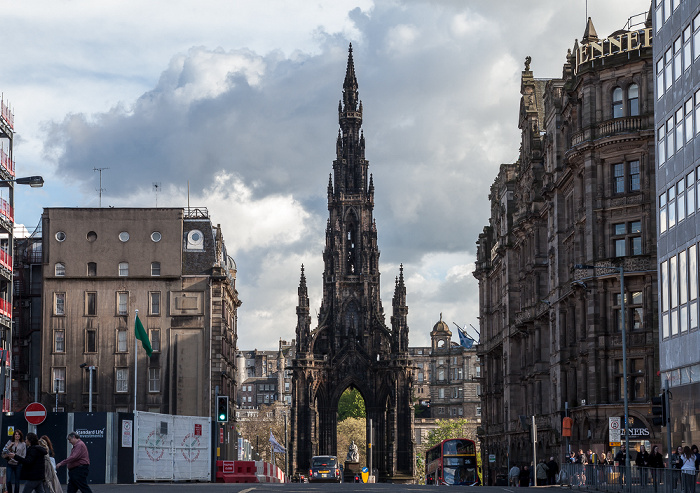 Edinburgh New Town: South St David Street, Scott Monument