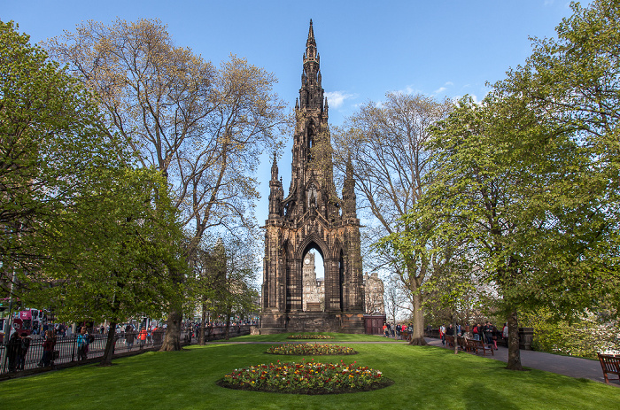 Edinburgh New Town: Princes Street Gardens - Scott Monument