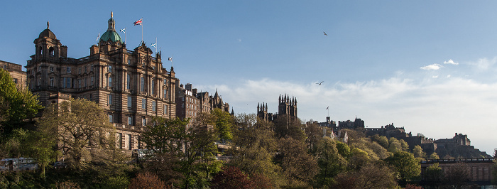 Old Town (v.l.): Bank of Scotland Head Office, New College (University of Edinburgh) und Edinburgh Castle