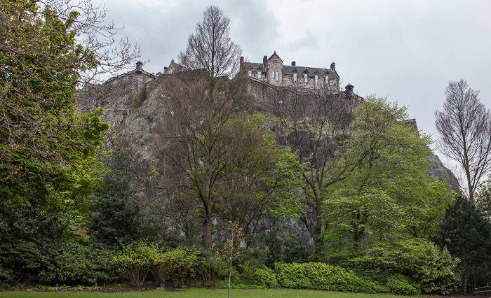 Edinburgh New Town: Princes Street Gardens Castle Rock Edinburgh Castle