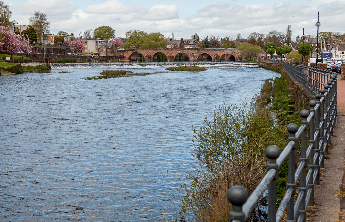 Dumfries Whitesands: River Nith Devorgilla Bridge
