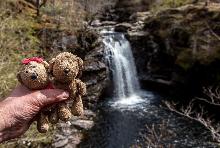 Crianlarich Loch Lomond and The Trossachs National Park: Falls of Falloch - Teddine und Teddy