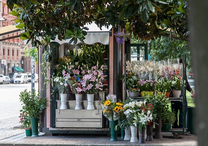 Mailand Piazza della Repubblica: Blumenstand