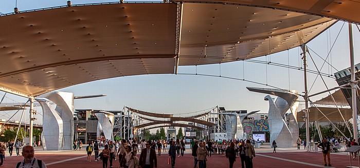 Mailand EXPO Milano 2015: Cardo, Piazza Italia mit den Vier Skulpturen des Studio Libeskind Cardo EXPO 2015 Piazza Italia EXPO 2015 Vier Skulpturen des Studio Libeskind EXPO 2015