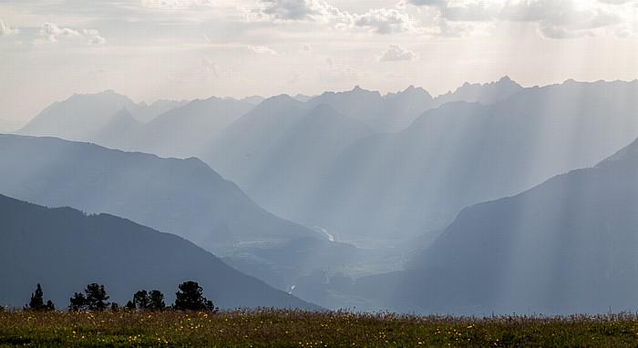 Hochoetz Blick von der Bielefelder Hütte (v.u.): Inntal und Lechtaler Alpen