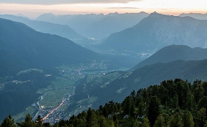 Hochoetz Blick von der Bielefelder Hütte (v.l.): Ötztal, Inntal, Tschirgant und Lechtaler Alpen