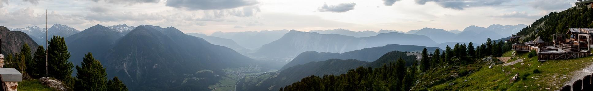 Hochoetz Blick von der Bielefelder Hütte: Ötztaler Alpen, Ötztal, Inntal, Lechttaler Alpen und Mieminger Kette
