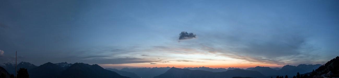 Hochoetz Blick von der Bielefelder Hütte: Ötztaler Alpen, Lechttaler Alpen und Mieminger Kette