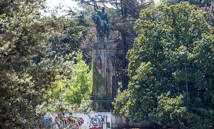 Blick vom Befestigungswall (Mura di Lucca): Piazzale Risorgimento
