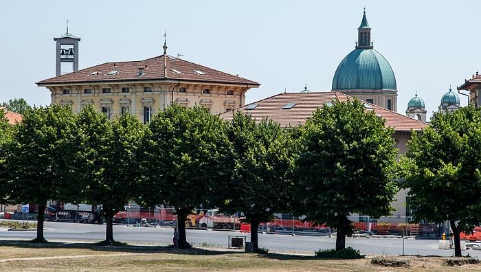 Blick vom Befestigungswall (Mura di Lucca): Monastero-santuario di Santa Gemma Galgani