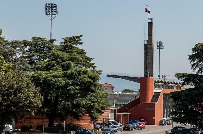 Blick vom Befestigungswall (Mura di Lucca): Stadio Porta Elisa