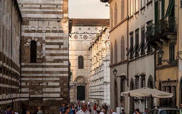 Lucca Centro Storico: Via Duomo Cattedrale di San Martino Chiesa dei Santi Giovanni e Reparata