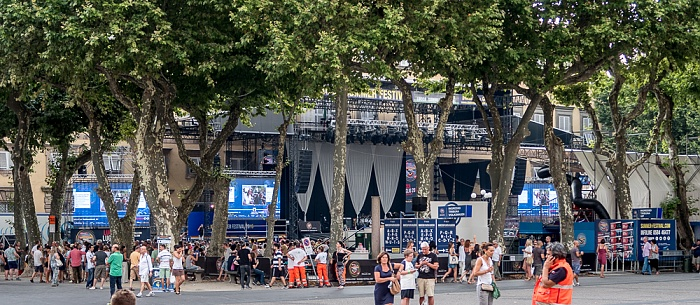 Centro Storico: Piazza Napoleone - Lucca Summer Festival: Vor dem Mark-Knopfler-Konzert