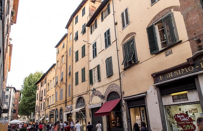 Lucca Centro Storico: Via Pescheria