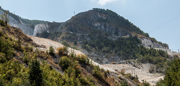 Carrara Apuanische Alpen (Bacino di Colonnata): Marmor-Steinbrüche