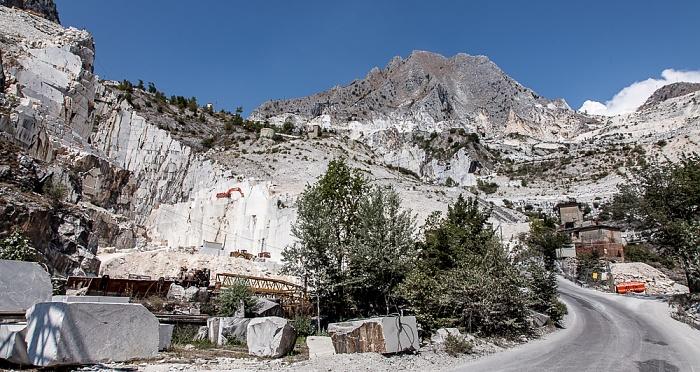 Carrara Apuanische Alpen (Bacino di Fantiscritti): Marmor-Steinbrüche