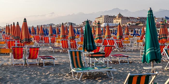 Viareggio Versilia: Strandbäder Apuanische Alpen
