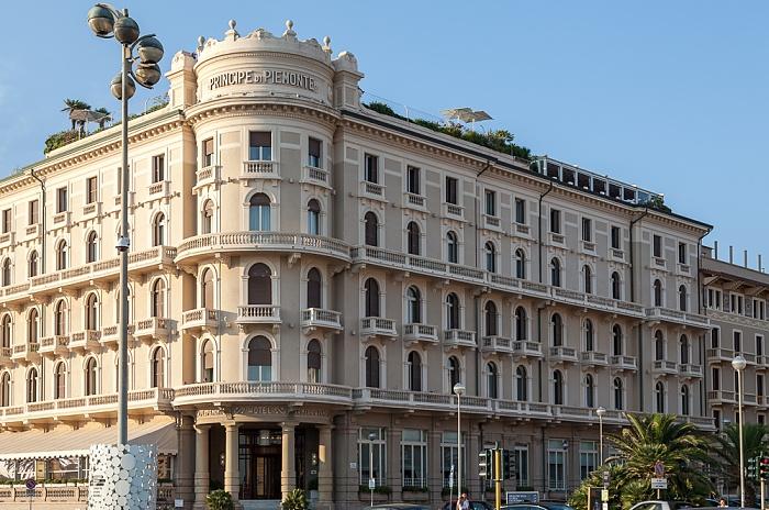 Viareggio Viale Alfredo Belluomini / Piazza Giacomo Puccini: Grand Hotel Principe Di Piemonte