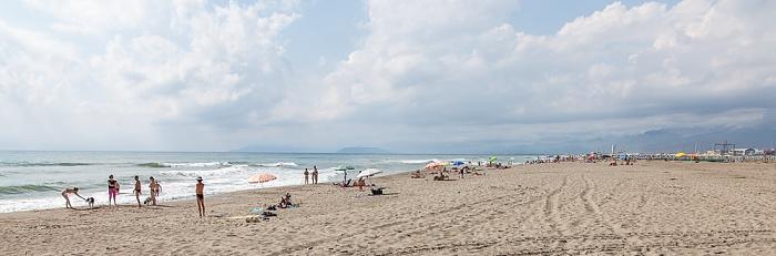 Viareggio Versilia: Spiaggia della Lecciona, Mittelmeer Apuanische Alpen