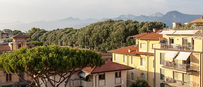 Viareggio Blick aus dem Hotel Marchionni Apuanische Alpen Pineta di Viareggio