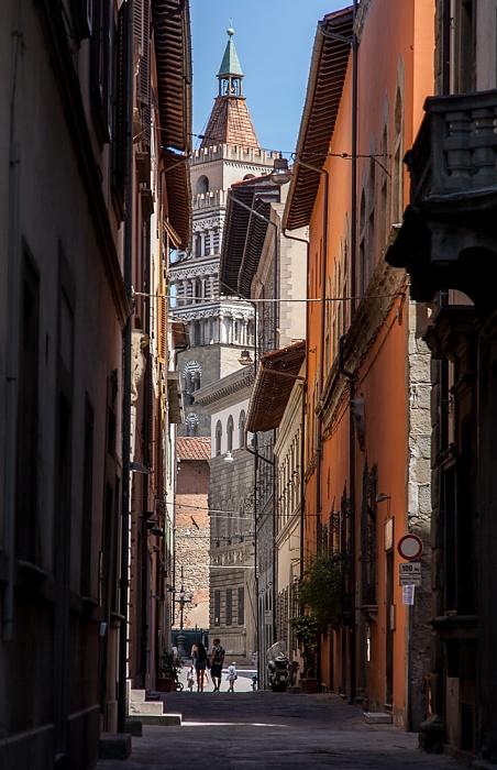 Pistoia Centro Storico: Via dei Panciatichi Campanile del Duomo di Pistoia